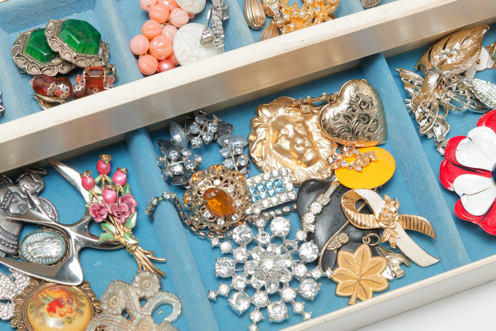 Costume Jewelry & Couture preview